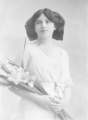 Nadejda_Mountbatten_Marchioness_of_Milford_Haven.jpg