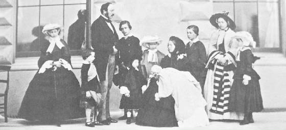 Queen_Victoria_Prince_Albert_and_their_nine_children.JPG