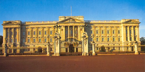 Buckingham_Palace-royal.jpg