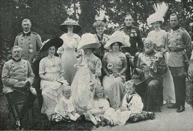 Family_of_Saxe-Coburg_and_Gotha.jpg