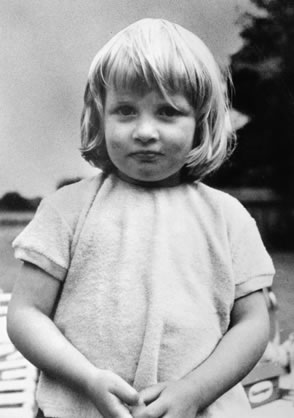 princess-diana-very-young.jpg